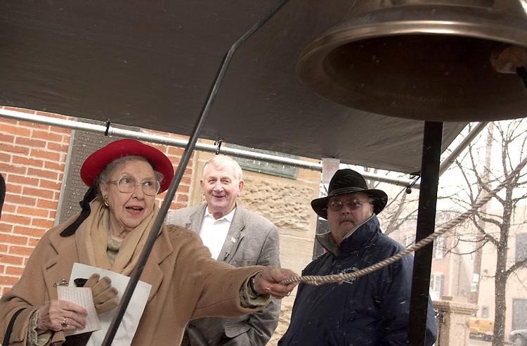16909Leonard Raley ringing County Bicentennial Bell on Behalf of the University