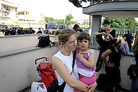 Roma, 22 Maggio 2009.Tor Vergata.Sgombero dell'Hotel Mela poche oredopo l'occupazione da parte di Action.Rome, May 22, 2009.Tor Vergata.Hotel Mela eviction just hours after the occupation by Action