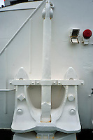 Always carry a spare! - Cruising through the narrow Lemaire Channel