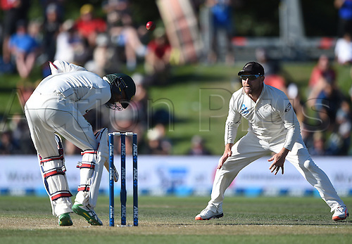 21.02.2016. Christchurch New Zealand.  Nathan Lyon ducks a bouncer from Wagner as McCullum looks on during play on Day 2 of the 2nd test match. New Zealand Black Caps versus Australia. Hagley Oval in Christchurch, New Zealand. Sunday 21 February 2016.