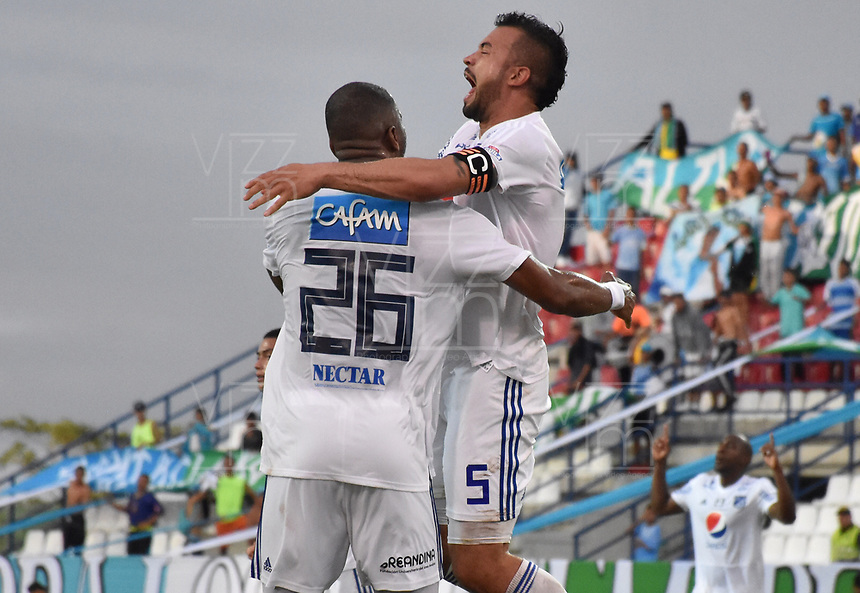 MONTERIA - COLOMBIA, 15-09-2018: Andres Cadavid Cardona (Der) jugador de Millonarios celebra después de anotar el segundo gol de su equipo a Jaguares de Córdoba durante partido por la fecha 10 de la Liga Águila II 2018 jugado en el estadio Municipal de Montería. / Andres Cadavid Cardona (R) player of Millonarios celebrates after scoring the second goal of his team to Jaguares of Cordoba during a match for the date 10 of the Liga Aguila II 2018 at the Municipal de Monteria Stadium in Monteria city. Photo: VizzorImage / Andres Felipe Lopez / Cont