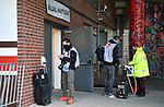 nph00001  Einlasskontrolle der Medien und Fotografen, Mundschutz <br /> Hamburg, 17.05.2020, Fussball 2. Bundesliga, FC St. Pauli - 1. FC Nuernberg <br /> <br /> Foto: Tim Groothuis/Witters/Pool//via Kokenge/nordphoto