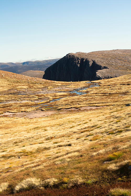 View looking towards Carn Etchachan from the footpath between Cairngorm and Ben Macdui, Cairngorm National Park, Highlands, Scotland, Uk