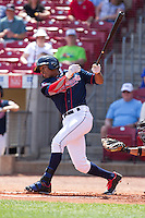 Cedar Rapids Kernels outfielder Byron Buxton #7 bats during a game against the Lansing Lugnuts at Veterans Memorial Stadium on April 30, 2013 in Cedar Rapids, Iowa. (Brace Hemmelgarn/Four Seam Images)