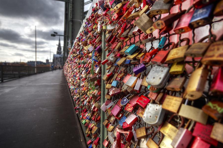 Love locks on Hohenzollern Bridge, Cologne, Germany, Europe