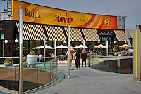 Santa Monica Place; Food Court, fresh, open-air design, shopping mall; dining restaurants, Department Stores, Santa Monica; CA;