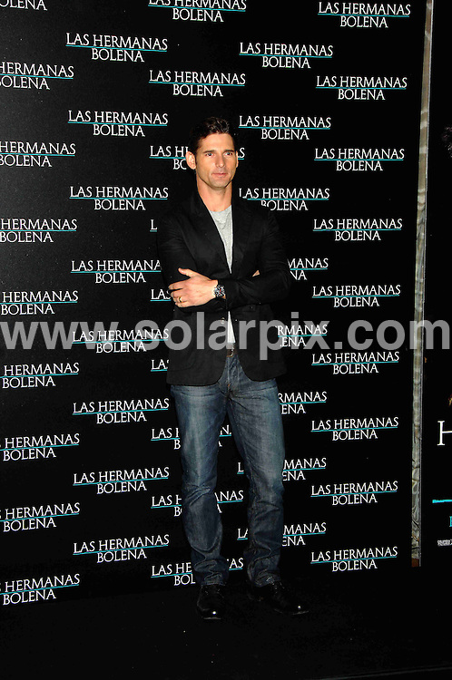 **ALL ROUND PICTURES FROM SOLARPIX.COM**.SYNDICATION RIGHTS FOR UK, CANADA, USA, SOUTH AFRICA, SOUTH AMERICA, DUBAI, AUSTRALIA, NEW ZEALAND, GREECE, ASIA.The photocall for the film Las Hermanas Bolena,the other boleyn girl in Madrid today with the cast Naterlie Portman,Eric Bana and Ana Torrent..This pic:ERIC BANA..JOB REF:5810- SPA     DATE:18_02_08.**MUST CREDIT SOLARPIX.COM OR DOUBLE FEE WILL BE CHARGED* *UNDER NO CIRCUMSTANCES IS THIS IMAGE TO BE REPRODUCED FOR ANY ONLINE EDITION WITHOUT PRIOR PERMISSION*