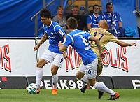 Dong Won Ji (SV Darmstadt 98) und Marvin Mehlem (SV Darmstadt 98) gegen Philipp Riese (Erzgebirge Aue)- 13.05.2018: SV Darmstadt 98 vs. FC Erzgebirge Aue, Stadion am Boellenfalltor, 34. Spieltag 2. Bundesliga