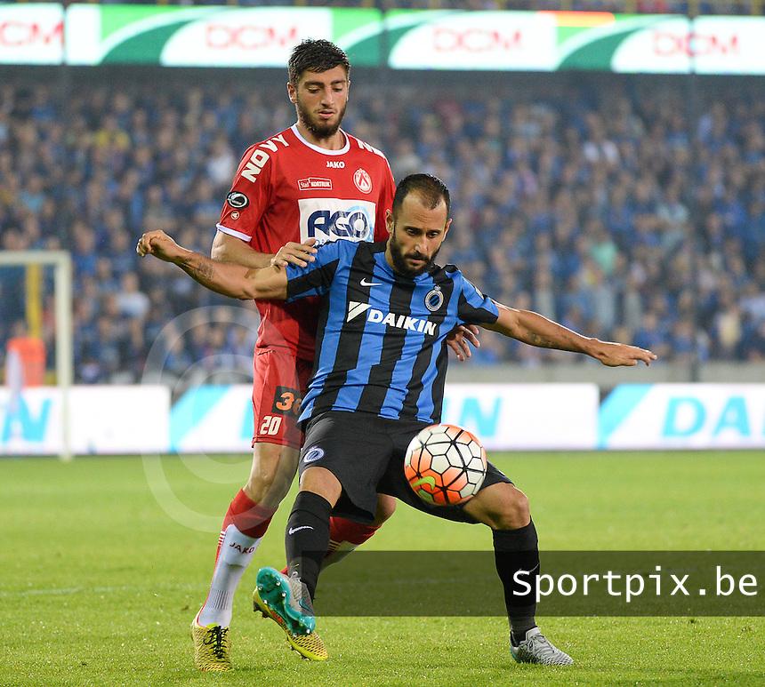 Club Brugge - KV Kortrijk : Samuel Gigot (l) en Victor Vazquez (r) <br /> Foto VDB / Bart Vandenbroucke