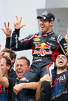 ATENCAO EDITOR: FOTO EMBARGADA PARA VEICULO INTERNACIONAL - SAO PAULO, SP 25 DE NOVEMBRO 2012 - FORMULA 1 GP BRASIL - O piloto alemao Sebastian Vettel da Red Bull vibra apos conquistar o tri campeonato mundial de Formula 1 durante o Grande Premio do Brasil , no autodromo de Interlagos, zona sul da capital, neste domingo.FOTO: PIXATHLON - BRAZIL PHOTO PRESS