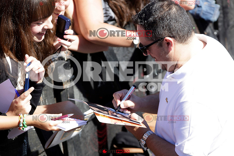 "Actor Pepon Nieto signs autographs and posses during the presentation of ""Las brujas de Zugarramurdi"" in the 61 San Sebastian Film Festival, in San Sebastian, Spain. September 22, 2013. (ALTERPHOTOS/Victor Blanco) /NortePhoto"
