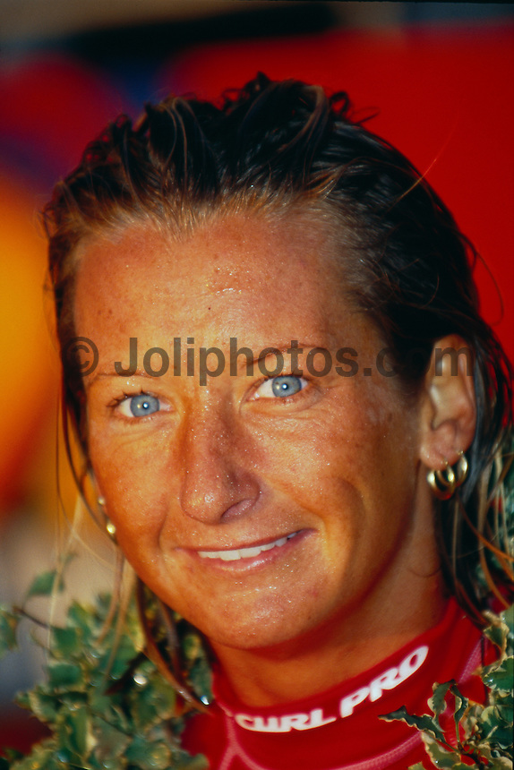 Layne Beachley (AUS) 1st Rip Curl Pro Hossegor France 2000. Photo:  joliphotos.com