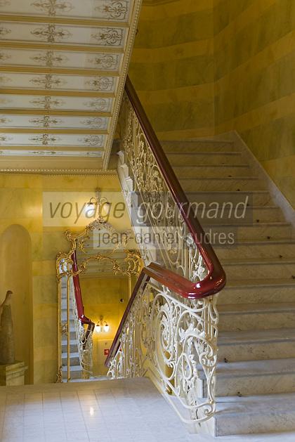Europe/Pologne/Lodz: Le Palais d'Israël Poznanski qui contient le Musée d'Histoire de la Ville de Lodz -détail escalier
