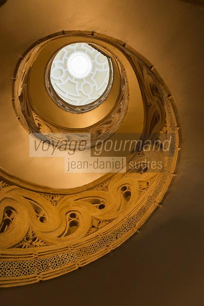 Espagne, Navarre, Pampelune,  Cathédrale Sainte-Marie de Pampelune, EScalier hélicoidal  // Spain, Navarra, Pamplona, Pamplona Cathedral, Spiral staircase