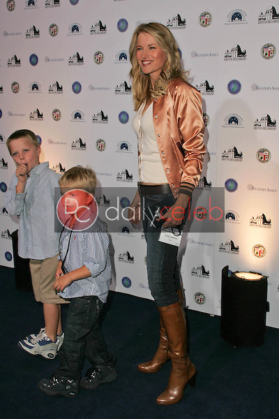 Lucy Lawless and her sons<br />at the Griffith Observatory Re-Opening Galactic Gala. Griffith Observatory, Los Angeles, CA. 10-29-06<br />Dave Edwards/DailyCeleb.com 818-249-4998