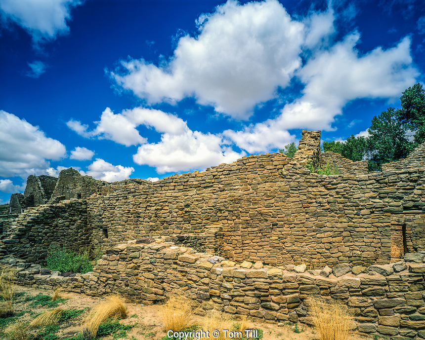 Walls at Aztec Ruins, Aztedc Ruins National Monument, New Mexico Ancestral Puebloan ruin