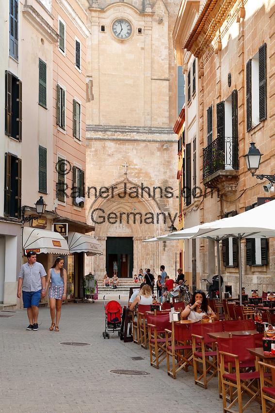 Spain, Menorca, Ciutadella: Cafe outside the Cathedral Santa Maria de Ciutadella   Spanien, Menorca, Ciutadella: Café in der Altstadt vor der Kathedrale Santa Maria de Ciutadella