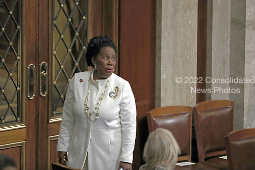 United States Representative Sheila Jackson-Lee (Democrat of Texas) in the US House Chamber prior to US President Donald J. Trump delivering his second annual State of the Union Address to a joint session of the US Congress in the US Capitol in Washington, DC on Tuesday, February 5, 2019.<br /> Credit: Alex Edelman / CNP
