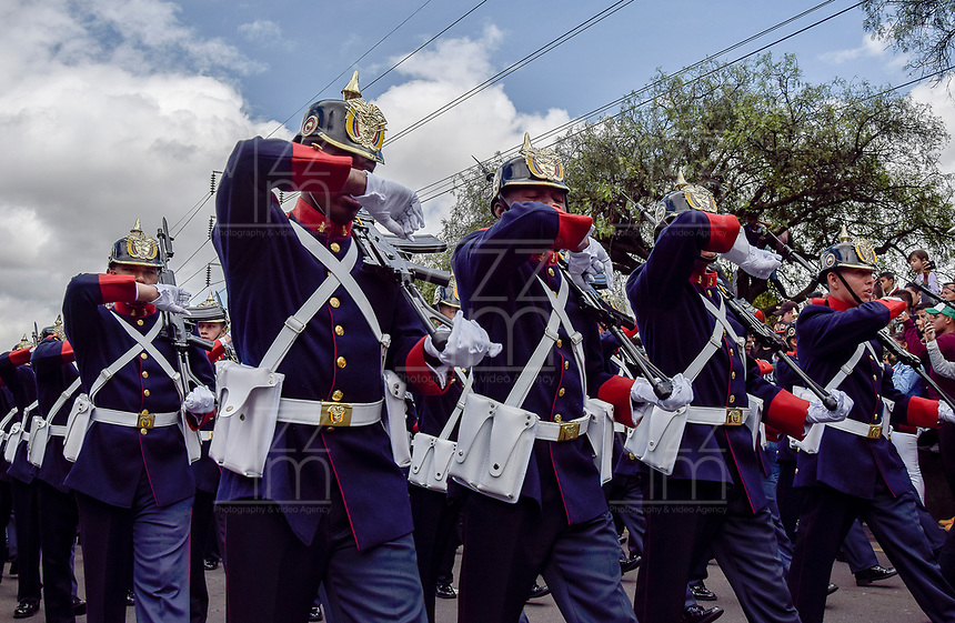 BOGOTÁ - COLOMBIA, 20-07-2018: Miembros de la guardia presidencial durante el desfile Militar del 20 de Julio con motivo del 208 Aniversario de la Independencia de Colombia realizado por las calles de la ciudad de Bogotá. / Presidential guard members during July 20th Military Parade on the occasion of the 208th Anniversary Independence of Colombia that took place trough the streets of Bogota city. Photo: VizzorImage / Nicolas Aleman / Cont