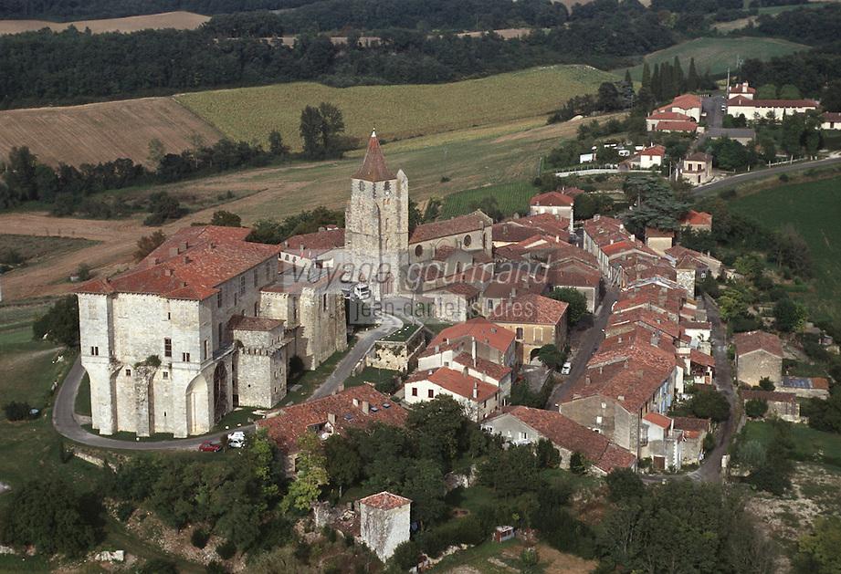 Europe/France/Midi-Pyrénées/32/Gers/Lavardens: Vue aérienne de la Bastide et du château de Lavardens (XVII ème siècle)