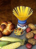 JA03-015x  Food - carbohydrates - bread, potato, pasta, corn
