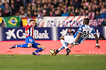Jose Maria Gimenez de Vargas of Atletico de Madrid battles for the ball with Papakouli Diop of RCD Espanyol during the La Liga match between Atletico de Madrid and RCD Espanyol at the Vicente Calderón Stadium on 03 November 2016 in Madrid, Spain. Photo by Diego Gonzalez Souto / Power Sport Images