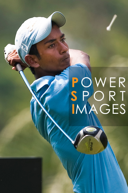 SHENZHEN, CHINA - OCTOBER 29: Rashid Khan of India plays his tee shot on the 18th hole during the day one of Asian Amateur Championship at the Mission Hills Golf Club on October 29, 2009 in Shenzhen, Guangdong, China.  (Photo by Victor Fraile/The Power of Sport Images) *** Local Caption *** Rashid Khan