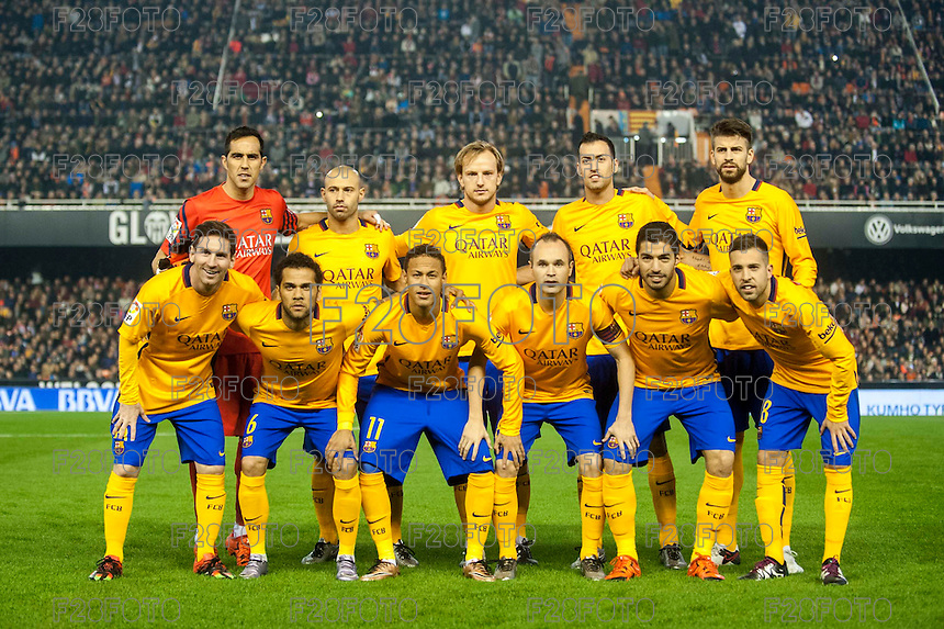 VALENCIA, SPAIN - DECEMBER 5: Barcelona team during BBVA LEAGUE match between Valencia C.F. and FC Barcelona at Mestalla Stadium on December 5, 2015 in Valencia, Spain