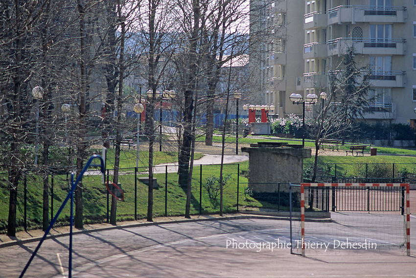 1989-1994; Issy Les Moulineaux; Les Epinettes-Le Fort