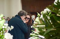 Rio de Janeiro (RJ), 11/07/2019 - Morte / Velório / Paulo Henrique Amorim - A esposa Geórgia Pinheiro recebeu famíliares e amigos que estiveram presentes no veclório na Associação Brasileira de Imprensa (ABI) do jornalista Paulo Henrique Amorim, na manhã desta quinta-feira(11).O jornalista morreu em casa, na madrugada de quarta-feira (10), de um mal súbito aos 77 anos, Cinelândia, região central do Rio de Janeiro Rio de Janeiro (Foto: Vanessa Ataliba/Brazil Photo Press/Agencia O Globo) Brasil