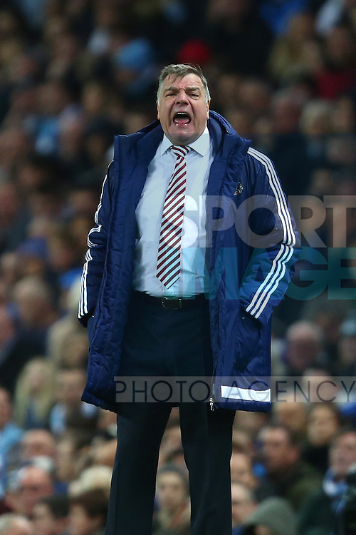 Manager of Sunderland, Sam Allardyce barks orders - Manchester City vs Sunderland - Barclays Premier League - Etihad Stadium - Manchester - 26/12/2015 Pic Philip Oldham/SportImage