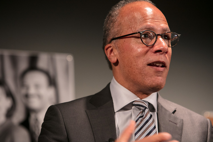 "Lester Holt, anchor of ""NBC Nightly News"" talks to College of Communication students during an event hosted by DePaul's Center for Journalism Integrity and Excellence, Thursday, April 20, 2017. The center honored Holt and Ben Welsh, a DePaul alumnus and data journalist with the Los Angeles Times, for work that embodies the highest principles of journalism, including truth, accuracy, fairness and context. (DePaul University/Jeff Carrion)"