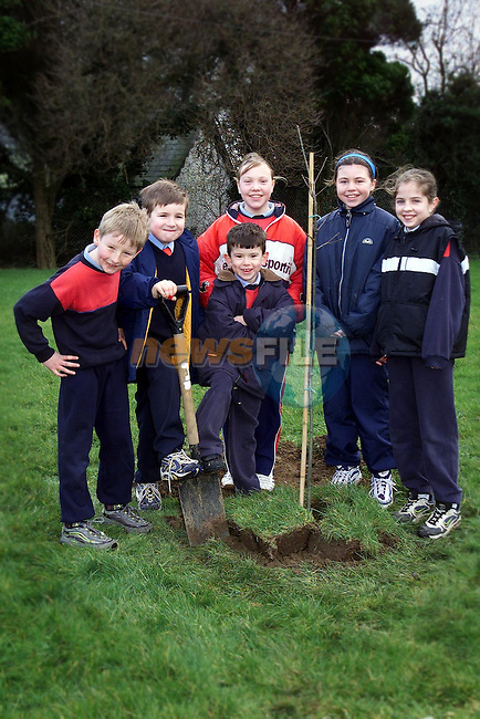 Roger Ryan, David Monahan, Neil O'Flaherty, Denise Murray, Joanne McGuinness and Fiona Hetherington, pupils from Whitecross National School at the tree planting ceremony on Friday..Picture Paul Mohan Newsfile