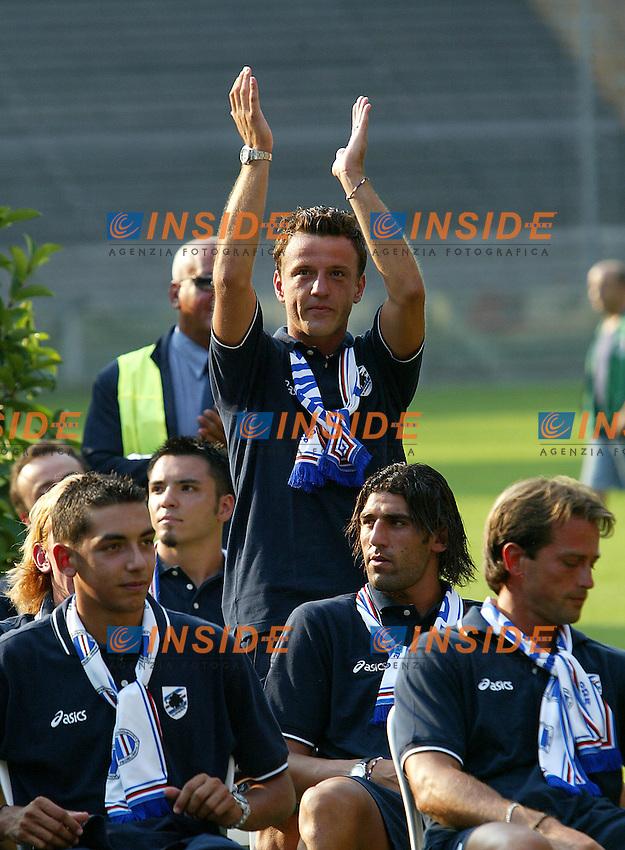 Genova 19/07/2003 <br /> Presentazione della Sampdoria<br /> Francesco Flachi<br /> foto andrea Staccioli Insidefoto