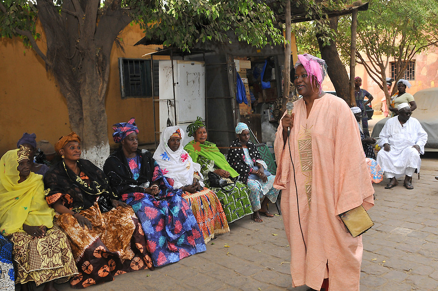 """Mrs. Traore, ex Minister of Communication, has launched in Bamako a movement called """"1000 Standing Malian Women"""""""