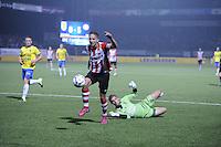 VOETBAL: LEEUWARDEN: 12-09-2015, SC Cambuur - PSV, uitslag 0-6, Luc de Jong in duel met Cambuur keeper Harmen Zeinstra, ©foto Martin de Jong