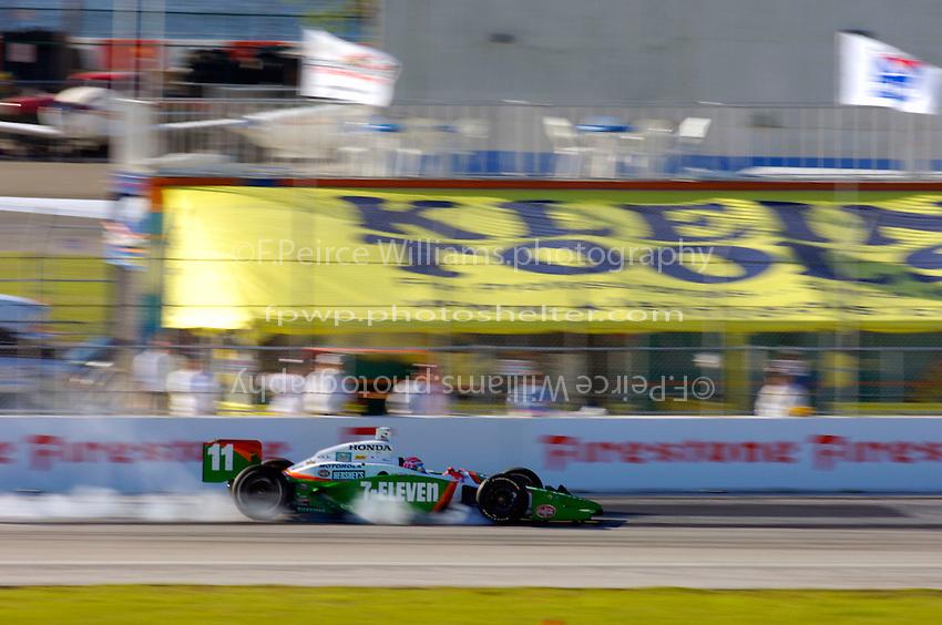 Grand Prix of St. Petersburg, 3 April, 2005.Tony Kanaan locks a wheel under braking..Copyright©F.Peirce Williams 2005.  ref.Digital Image Only