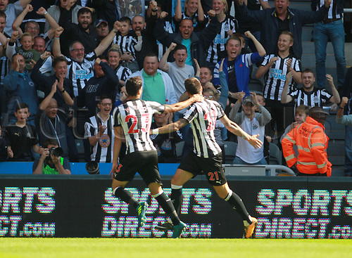 26th August 2017, St James Park, Newcastle, England; EPL Premier League football, Newcastle United versus West Ham United; Joselu of Newcastle United celebrates with Jesús Gámez of Newcastle United after making it 1-0