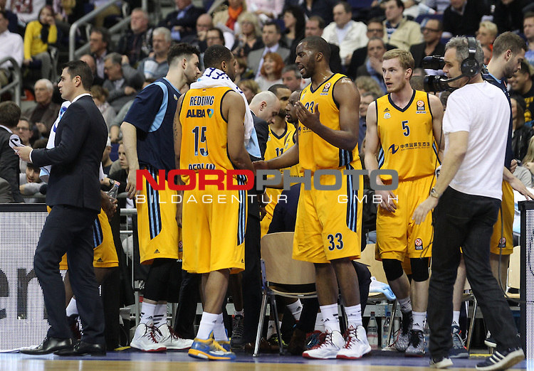 09.04.2015, O2 world, Berlin, GER, Euroleague, ALBA Berlin vs. Tel Aviv , im Bild Reggie Redding (ALBA Berlin), Jamel McLean (ALBA Berlin), Niels Grffey (ALBA Berlin)<br /> <br />               <br /> Foto &copy; nordphoto /  Engler