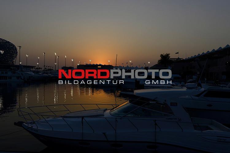 01.-04.11.2012, Yas-Marina-Circuit, Abu Dhabi, UAE, Grosser Preis von Abu Dhabi, im Bild Abu Dhabi F1 Grand Prix Impressions<br />  Foto &copy; nph / Mathis