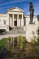 Europe/France/Midi-Pyrénées/46/Lot/ Cahors: Jardin du Square de Verdun, boulevard Gambetta et le Palais de  Justice