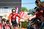 Jan Bakelants (BEL) Team Sunweb arrives at sign on before the start of the 83rd edition of La Fl&egrave;che Wallonne 2019, running 195km from Ans to Huy, Belgium. 24th April 2019<br /> Picture: ASO/Gautier Demouveaux | Cyclefile<br /> All photos usage must carry mandatory copyright credit (&copy; Cyclefile | ASO/Gautier Demouveaux)