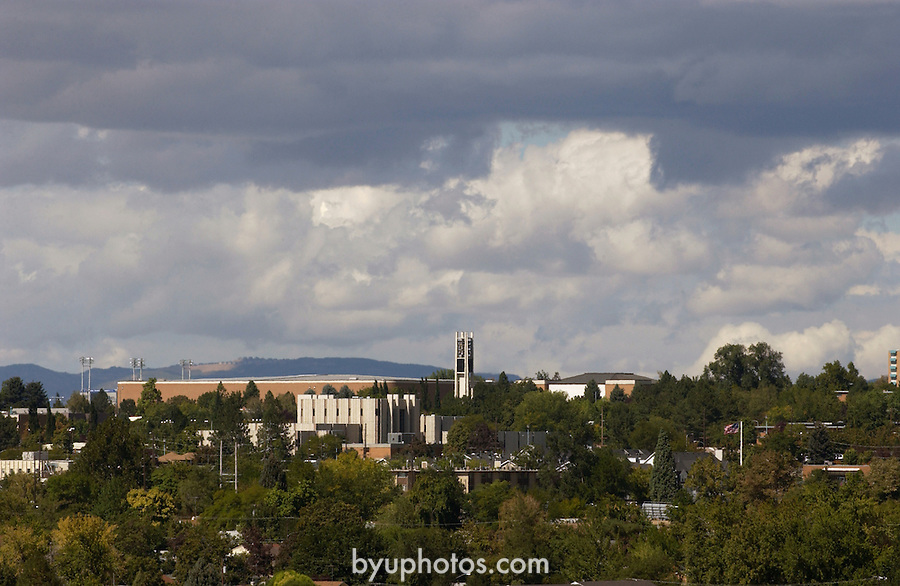 Campus scenic.September 2003..Photography by Mark A. Philbrick.903-65