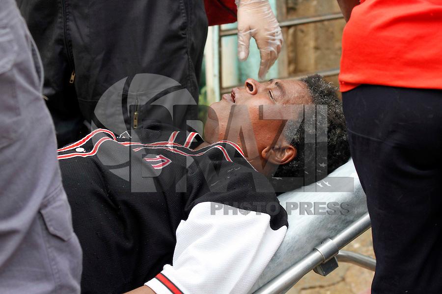 SÃO PAULO,SP,27 FEVEREIRO 2012 INCENDIO FAVELA<br /> Incendio atingiu uma favela na Av. Presidente Wilson na região do Ipiranga  na manha desta segunda feira .FOTO ALE VIANNA / BRAZIL PHOTO PRESS.