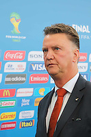 COSTA DO SAUIPE, BA, 06.12.2013 - COPA 2014 - SORTEIO FINAL DA COPA DO MUNDO 2014 - O técnico da Holanda, Louis Van Gaal durante o sorteio Final da Copa do Mundo de 2014 na Costa do Sauipe litoral norte da Bahia, nesta sexta-feira, 06. (Foto: Vanessa Carvalho / Brazil Photo Press).