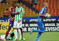 MEDELLIN -COLOMBIA-14-03-2014: Lucero Alvarez  (Der) goalkeeper of Deportivo Pasto  in actions  . Atletico Nacional  y Deportivo Pasto  en partido por la Onceava fecha de la Liga Postobon I 2014 en el estadio Atanasio Girardot de la ciudad de Medellin.  / Lucer Alvarez  (R) goalkeeper of Deportivo Pasto in actions , Atletico Nacional  and Deportivo Pasto during a match for the eleventh  date of the Liga Postobon I 2014 at the Atanasio Girardot  stadium in Medellin city. Photo: VizzorImage  / Luis Rios  / Str.