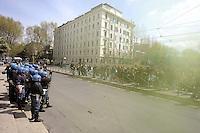 Roma, 4 Aprile 2009.Studenti universitari del movimento dell'Onda.Fronteggiamento con la polizia davanti il ministero dell'istruzione.Coping with police in front of the Ministry of Education