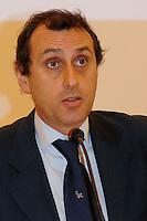 """20 dicembre 2010 Federculture.Presentazione della ricerca """"Cultura impresa e territorio"""" Francesco Marcolini..."""