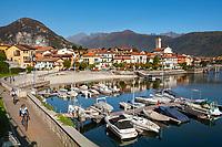 Italy, Piedmont, Baveno - district Feriolo: resort at Lago Maggiore between Baveno and Verbania | Italien, Piemont, Baveno, Ortsteil Feriolo: schoener Urlaubsort am Lago Maggiore zwischen Baveno und Verbania