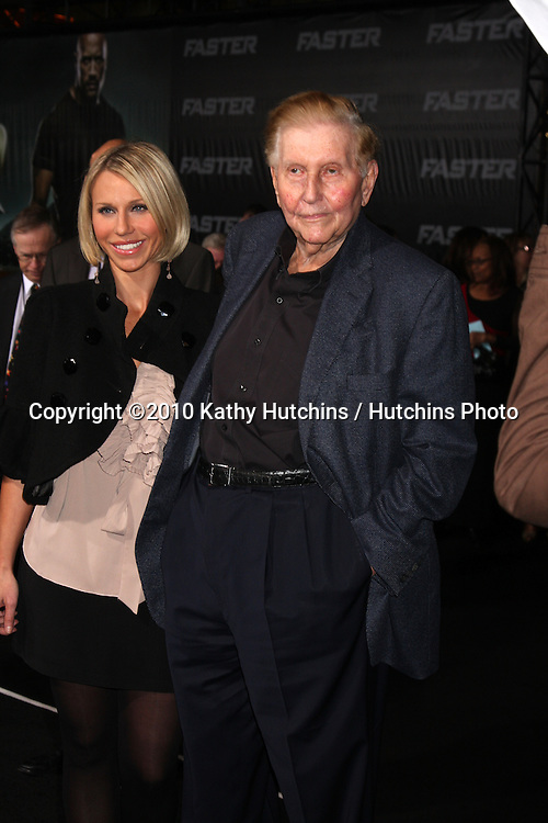 """LOS ANGELES - NOV 22:  Sumner Redstone arrives at the """"Faster"""" LA Premiere at Grauman's Chinese Theater on November 22, 2010 in Los Angeles, CA"""